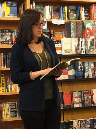 Dunes Review reading at Brilliant Books, Traverse City MI, 2019. Photo by Anne Marie Oomen.